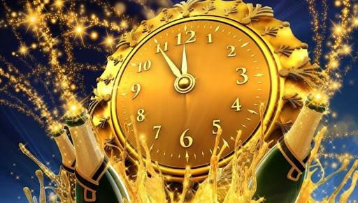 la multi ani 2021 an nou fericit felicitare cu sticla de smapanie si ceas ora 12 noaptea de revelion 2021 la multi ani happy new year 2021