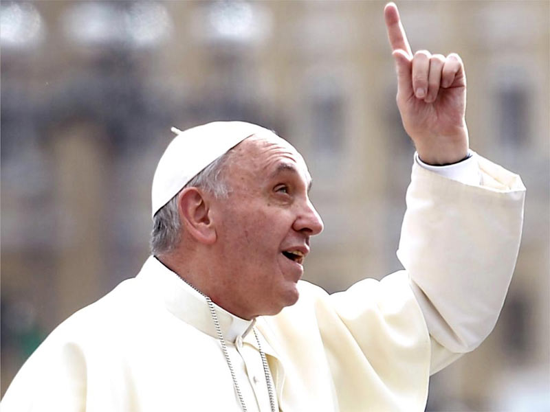 Treat gays nicely, just as Jesus would do, Pope Francis tells Christians
