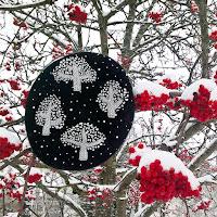 https://laukkumatka.blogspot.com/2019/12/lumipuupaahine-embroidered-snowy-trees.html