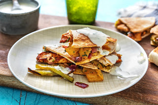 https://www.hellofresh.ca/recipes/chicken-and-pineapple-mini-quesadillas-5926fc53d56afa7bc73ebae2?locale=en-CA