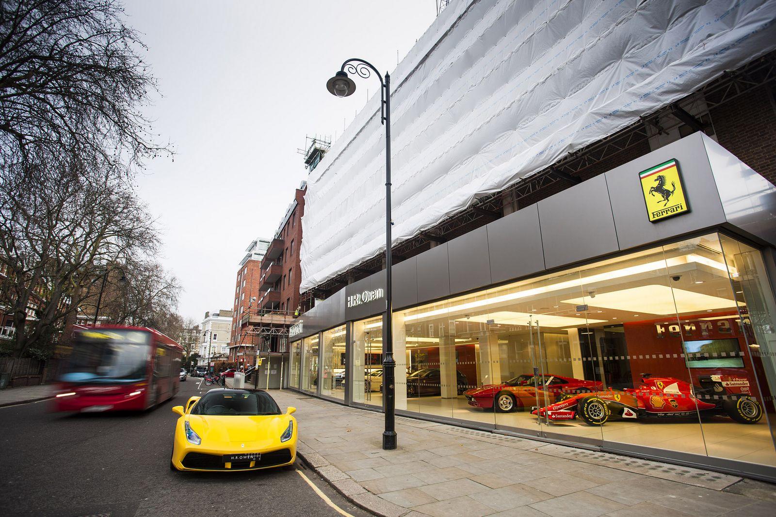 Lightings For New House Ferrari Dealership Named World S Best Gets 2015 F1 Car