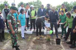 Peduli Lingkungan Hidup, Yonif R 631 Turut Andil Tanam Pohon