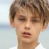 """Είναι μόλις 12 ετών και θεωρείται """"Το πιο όμορφο Αγόρι στον Κόσμο""""! Εσείς ΤΙ πιστεύετε, είναι πολύ όμορφος ή πολύ μικρός; (photos)"""