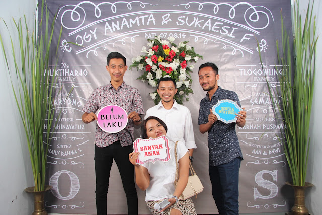 +0856-4020-3369 ; Jasa Photobooth Semarang ~Event Wedding Ogy Dan Sukaesi~