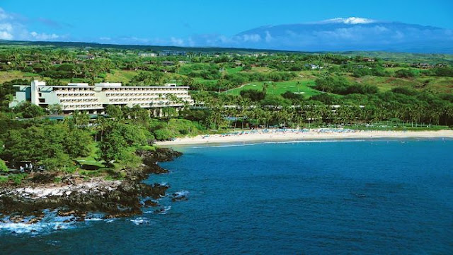 The Mauna Kea Beach Hotel provides guests a luxury experience within a unique and historic location. Enjoy top amenities near the beach on the Kohala Coast.