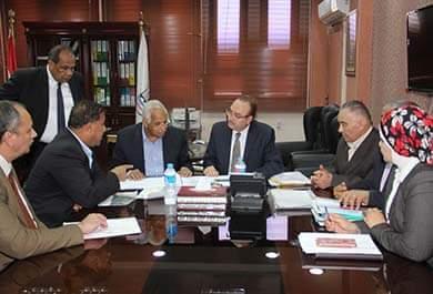 محافظ بني سويف يبحث مع وزير النقل خطوات البدء في إنشاء محور عدلي منصور