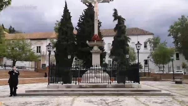 Ofrenda floral al Cristo de los Favores en Granada: ¿Se ha saltado el estado de alarma?