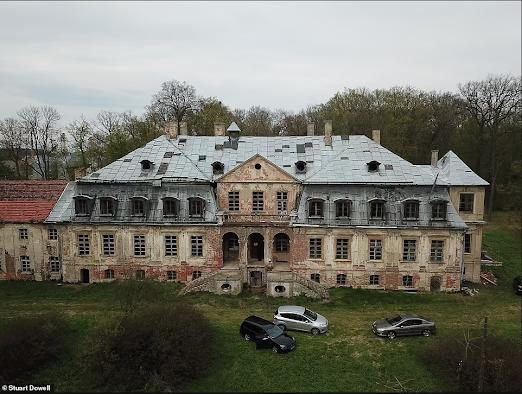 Poland treasure gold Nazi loot excavation palace Silesia