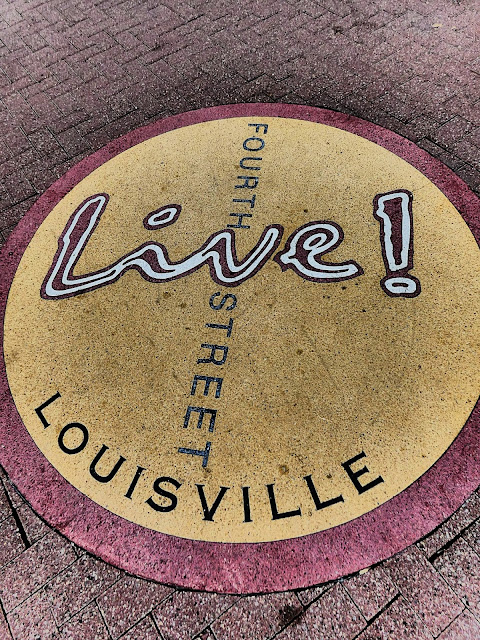 Louisville KY | 4th Street | Sincerely Loree | Lifestyle blog
