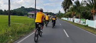 Jaga Kebugaran di tengah Pandemi, Kapolres Sinjai Gowes Bareng dengan Anggotanya
