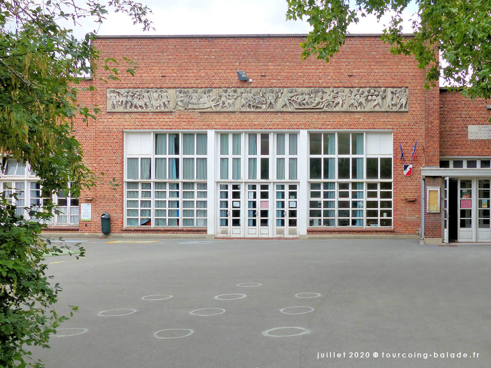 Cour de l'école Pierre Brossolette, Tourcoing 2020