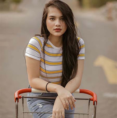 Davina Karamoy Cantik