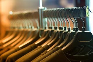 Kleidung aus ökologischen Rohstoffen und/oder fairer Produktion