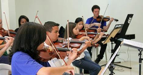 Resultado de imagem para escola de música na Estrutural, no DF
