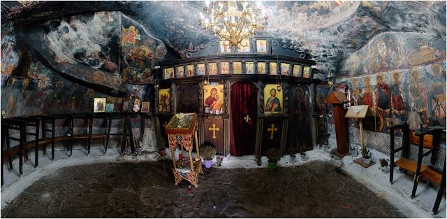 Εκατοντάδες πιστοί στη θαυματουργή Παναγία του Κώσταρι της Β. Ηπείρου