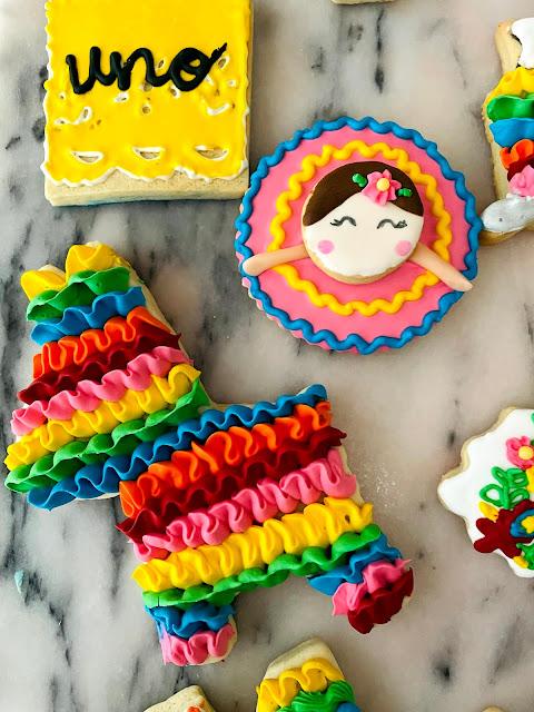 Fiesta Cookies Piñata cookies to celebrate Hispanic Heritage Month @ www.thecookiecouture.com