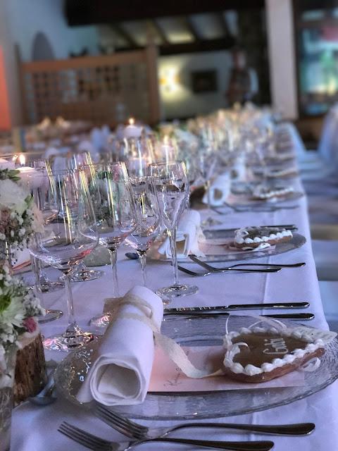 Tischdekoration, London meets Garmisch-Partenkirchen, Sommerhochzeit im Vintage-Look in Bayern mit internationalen Hochzeitsgästen, Riessersee Hotel, Hochzeitsplanerin Uschi Glas