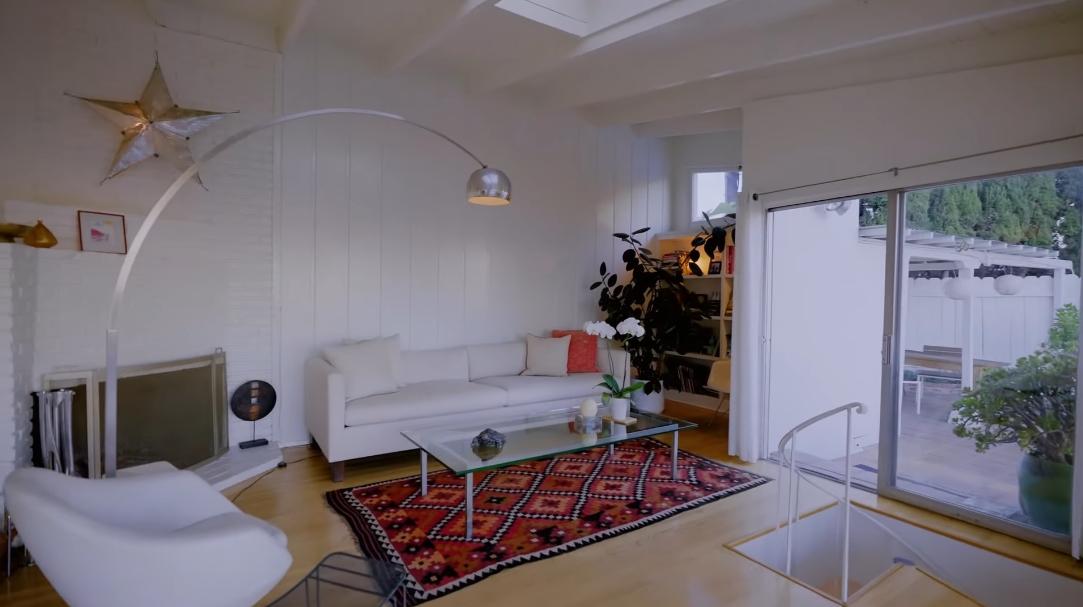 25 Photos vs. 2730 Pitcher Rd, Los Angeles, CA Home Interior Design Tour