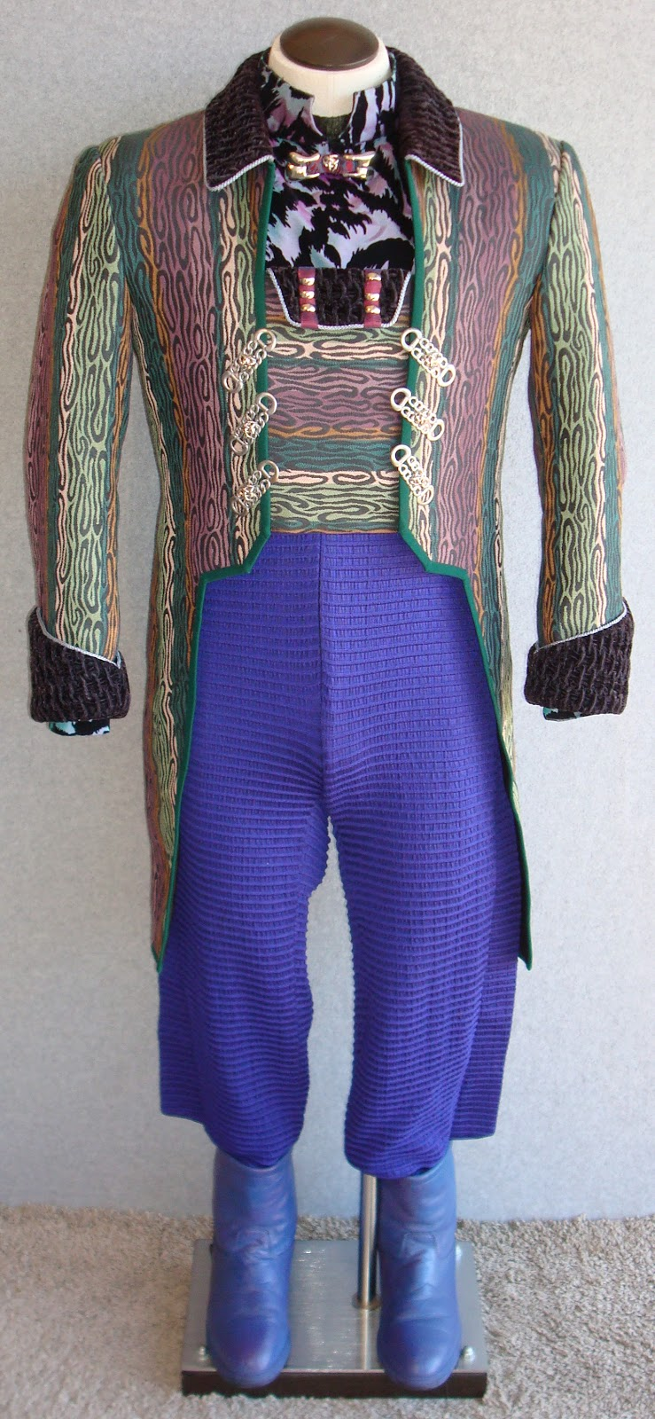 The Ferengi Costumes Of Star Trek: Deep Space Nine: Quark