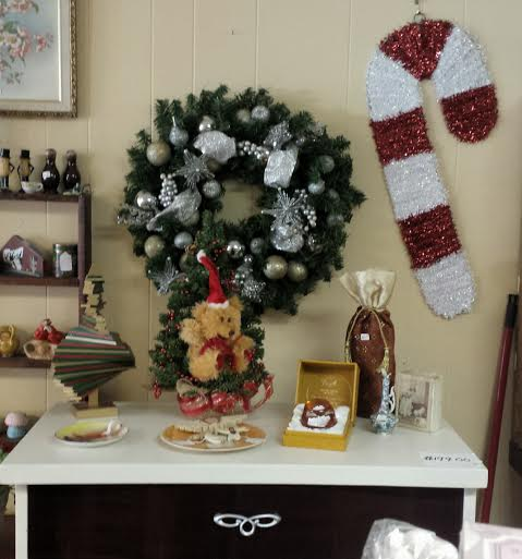Frugal Home Decorating: Frugal Fortune: Vintage Christmas Decorations And Home