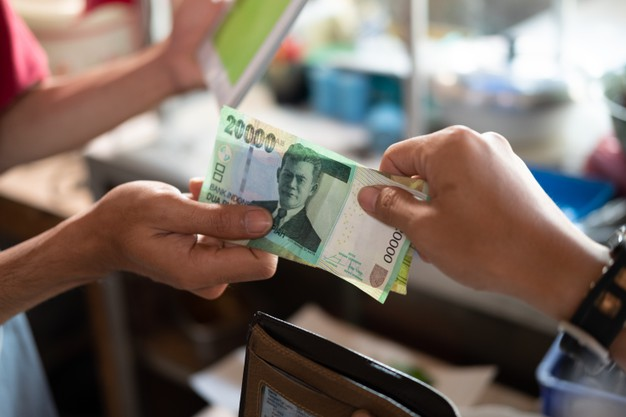 Menunda Uang Kembalian Apakah Menjadi Riba?