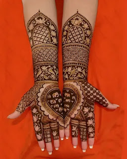 Heart_with_elephant_henna_design