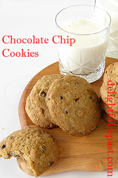 Ch0colate Chip Cookies (with directions for making them gluten-free, if you like) / www.delightfulrepast.com