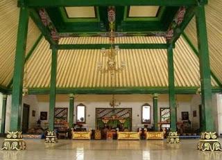 Pengertian, Bagian dan Jenis Rumah Adat Joglo Ringkas Berbahasa Jawa, bukusemu, buku semu, omah adat jawa, rumah adat jawa, pringgitan