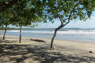 Pantai terbaik dekat jakarta