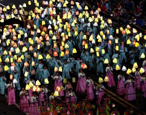 Parade Bulan Purnama Naik, Pesta Ulang Tahun Buddha