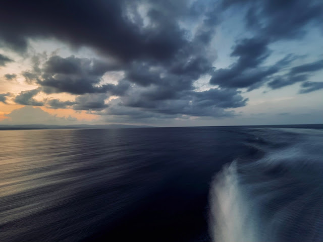 Sunset in the ocean from the ship - Image by Yash Kothiala