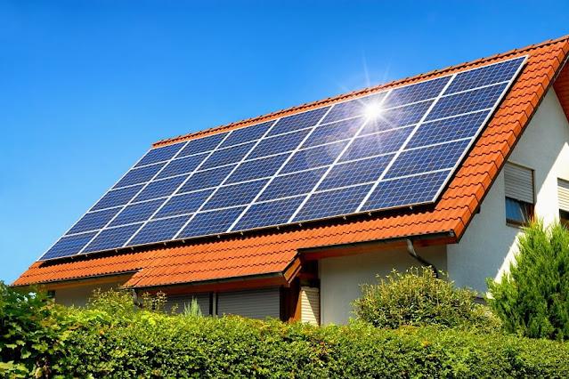 combien de panneaux solaires pour une maison