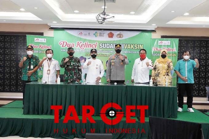 Percepat Penanganan Covid-19, Bupati Haryanto Dukung Program Vaksinasi Massal