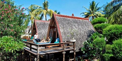 hotel-villa-ombak-traditional-lumbung-hut