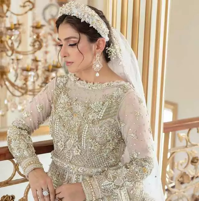 Ayeza Khan Look Exactly Like A Barbie Doll In Her Latest Beautiful Pictures