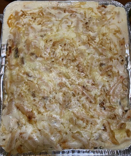 8 Spoons Party Trays Creamy Baked Penne with Hungarian Sausage