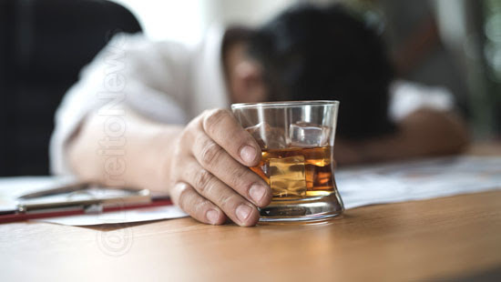 aposentadoria invalidez garantida trf4 segurado alcoolismo