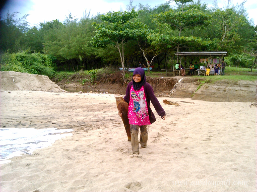 Gambar Pantai Pangi sebelum Diresmikan