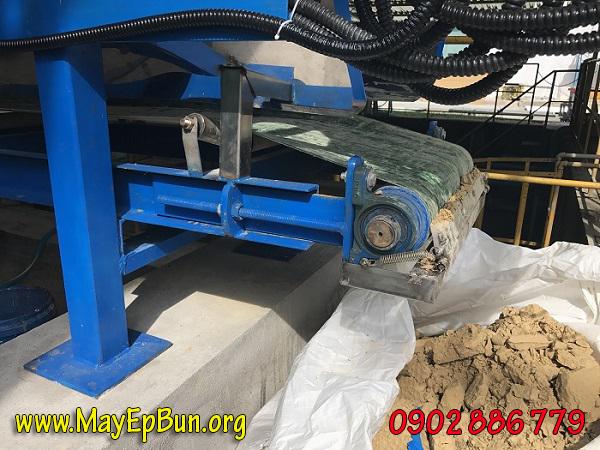 Máy ép bùn khung bản loại tự động tách bã chất lượng tốt, độ bền cao, thuận tiện thu gom bánh bùn