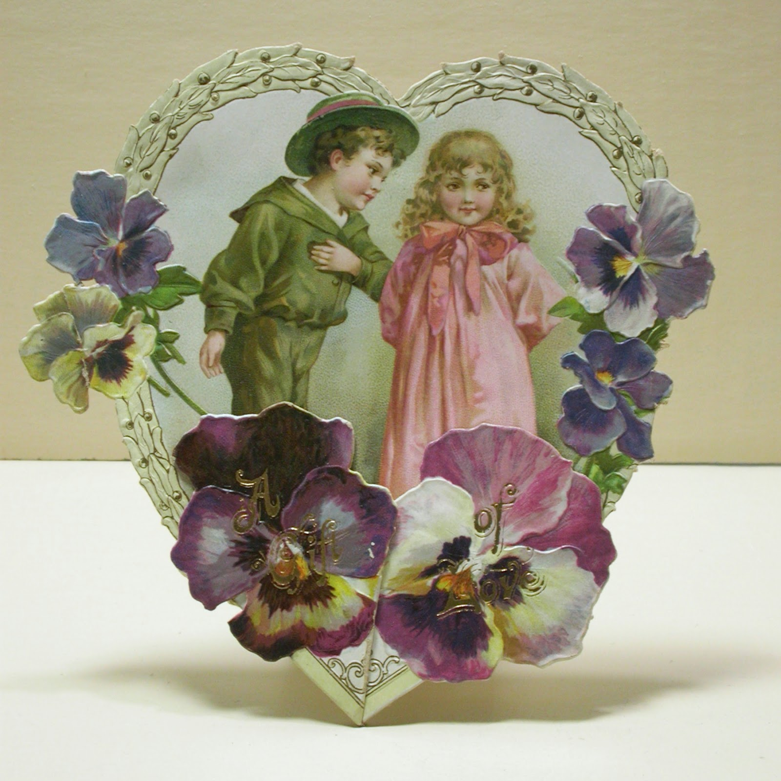 Vintage Valentine Museum: Standing And Hanging Cards That