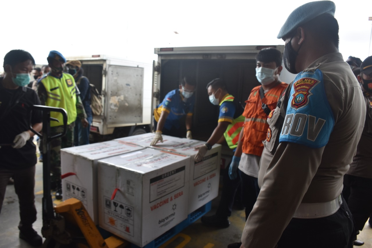13 Ribu Dosis Vaksin Covid-19 Tiba di Bandara Raja Haji Fisabilillah Tanjungpinang