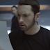 "Eminem libera prévia do clipe de ""Walk On Water"""