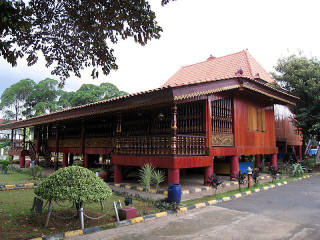 Rumah Limas di TMII