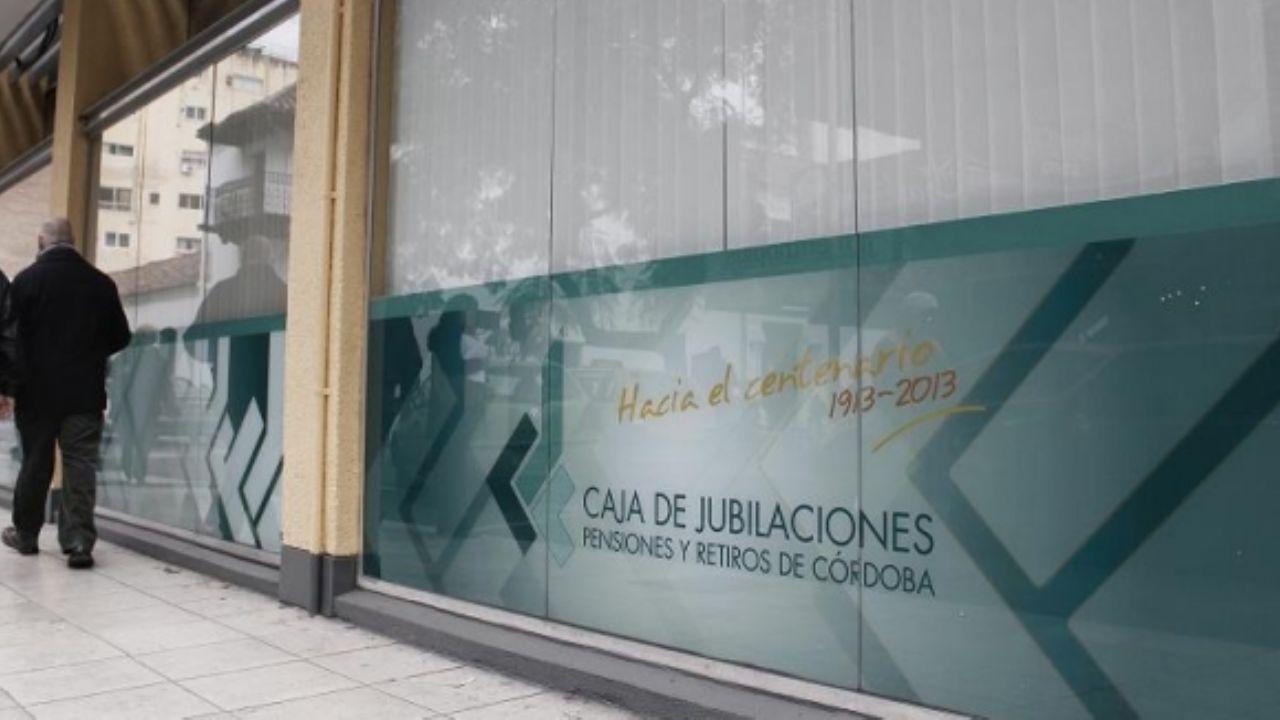 En Córdoba, reducen hasta un 10% las jubilaciones por encima de los 110 mil pesos