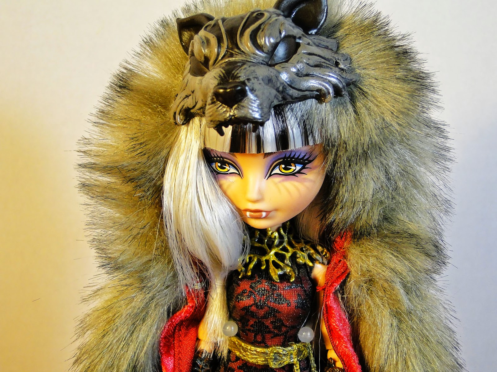 The Doll Garden: Ever After High - SDCC Cerise Wolf Review