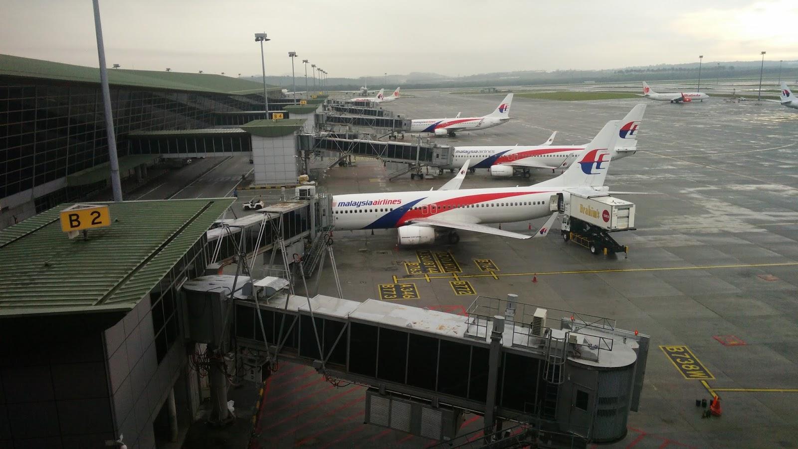 黑老闆攝於吉隆坡邦國際機場:馬來西亞航空服務區域中短程航線的波音B737機隊