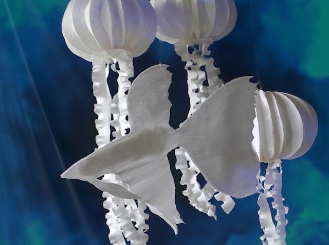 Sea life installazione di carta a tema marino di Alessandra Fabre Repetto Roma