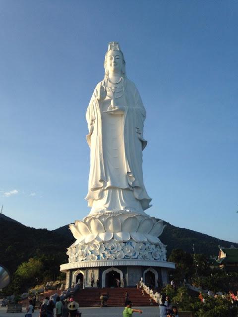 Tượng Quan Thế Âm Bồ Tát cao nhất Việt Nam (Đà Nẵng)