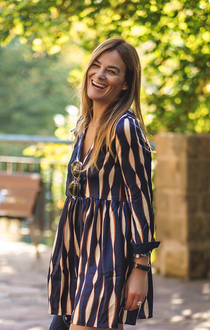 vestido geométrico , vestido corto , look otoño, es cuestión de estilo , Lucía Díez, personal shopper, vestido frnch, frnch
