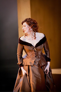 Sarah Connolly as Maria Stuarda (Opera North, 2010) © Robert Workman